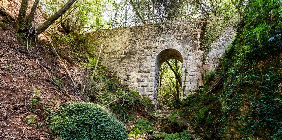 Ponte Cardona, centro geografico d'Italia a Narni